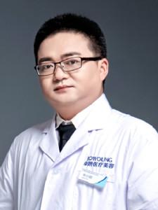 申小刚 武汉卓妍医疗美容皮肤美容科主任