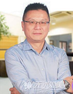 台湾线雕专家吴汉强