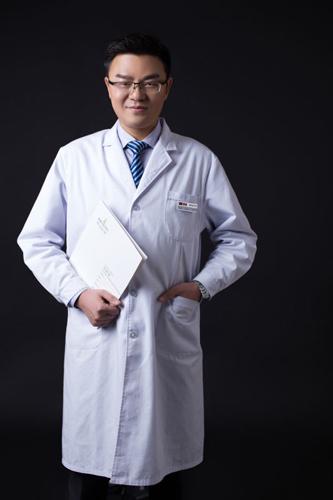 杨水斌 爱思特医疗美容集团武汉院外科中心精致五官中心院长