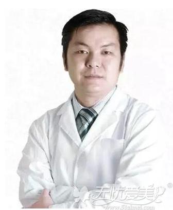 深圳希思整形专家徐荣阳