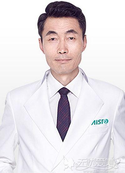 广西爱思特口腔科王远征主任