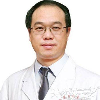 专业隆鼻医生 曾高