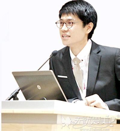 韩国雕刻宋龙泰院长