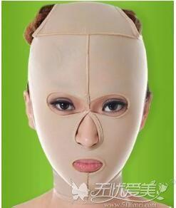 面部吸脂术后戴头套
