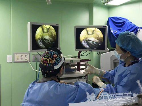 术前剥离采用内窥镜减小切口