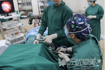 内窥镜隆胸设备