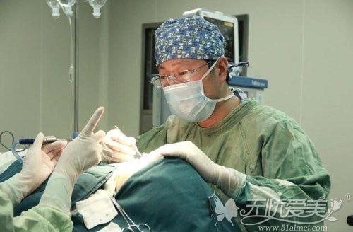 孙洋鼻修复手术中