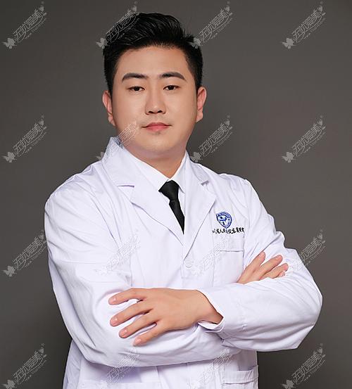 成都东篱医院整形科的刘祎医生