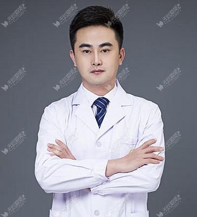 我身边凡是找汪云峰医生做过肋骨鼻子的,不止一人说效果好