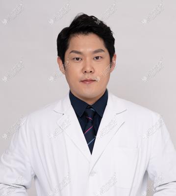 崔允皓医生