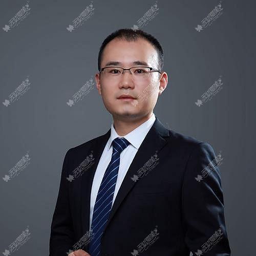 李运峰 成都东篱医院整形医生