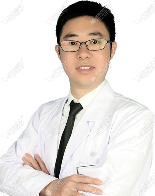 郭世伟医生:线雕隆鼻后鼻孔一高一低,这种失败情况好修复吗