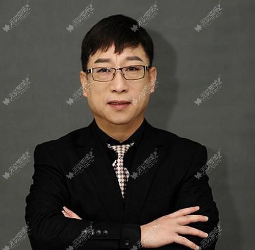 从武汉徐国建医生的众多鼻综合案例来看他做小翘鼻比较多