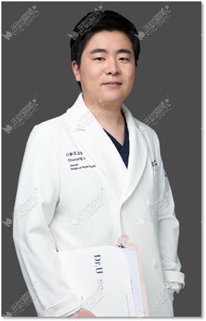 青岛博士整形吕春龙医生