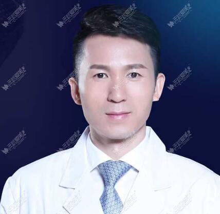 昆明铜雀台左万昌医生